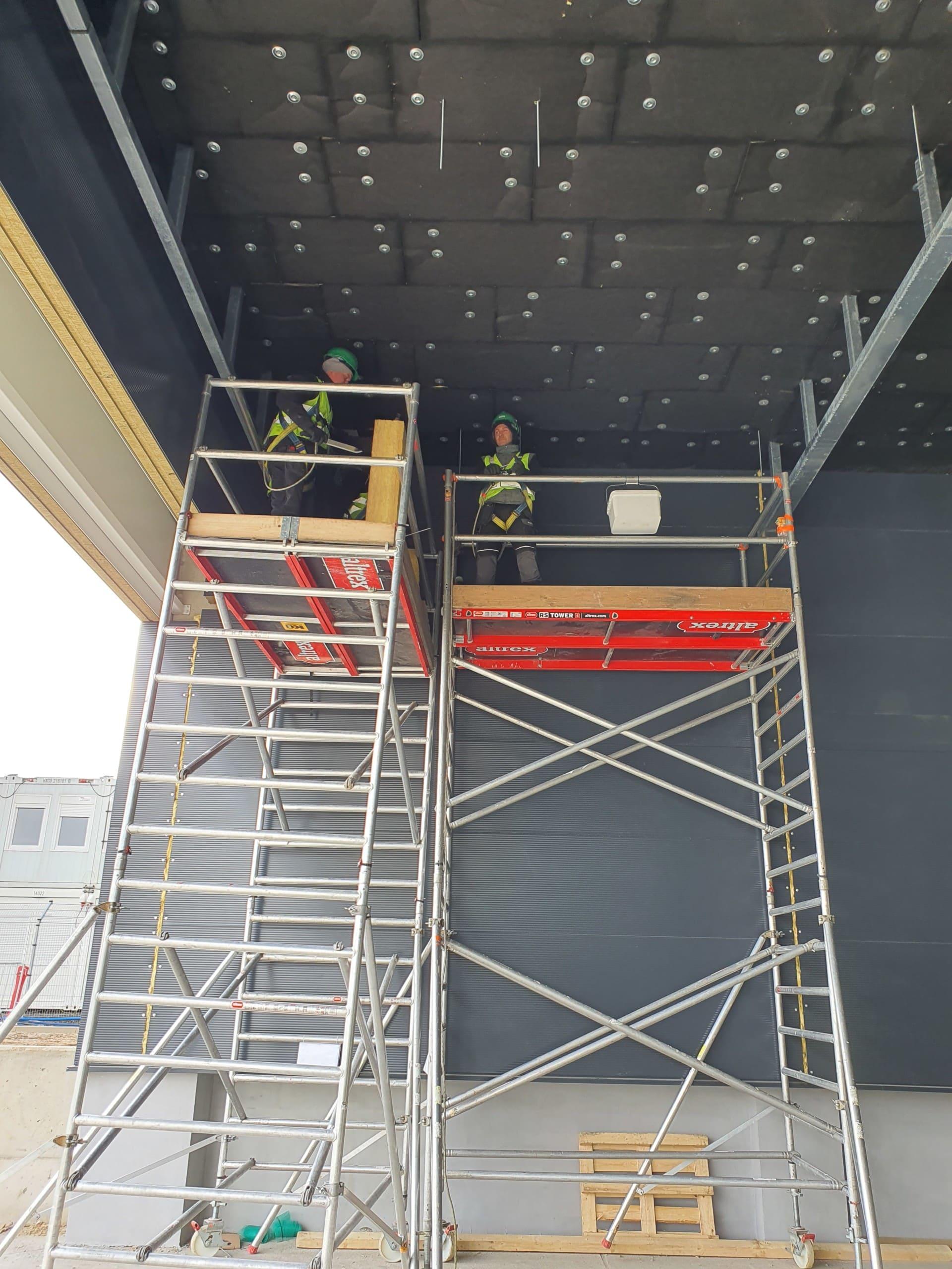Ocieplenie stropu doków z wełny isover super vent gr. 20 cm w Jaworze
